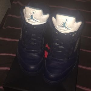 Hi I'm selling these slightly used air Jordan 5's